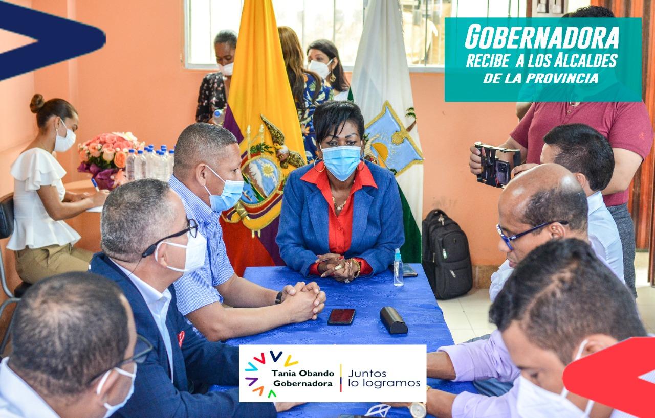 GOBERNADORA RECIBE A LOS ALCALDES DE LA PROVINCIA.